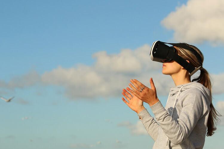Realidad virtual, reinventarse o morir.